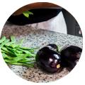 2 berinjelas e feijões. Promover restaurante Instagram