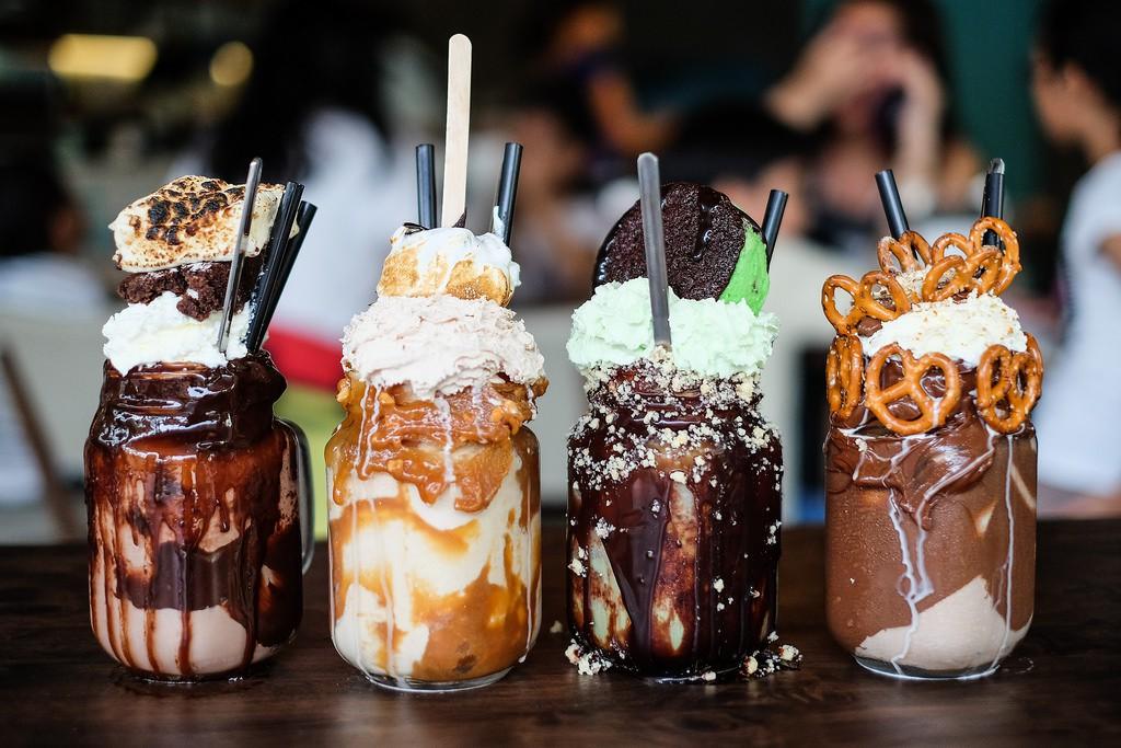 LaFourchette Trouver des clients en 2017 : 10 tendances gastronomiques à suivre Freakshakes